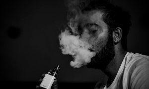 Read more about the article ช่วยเลิกบุหรี่ ได้จริงหรือบุหรี่ไฟฟ้า